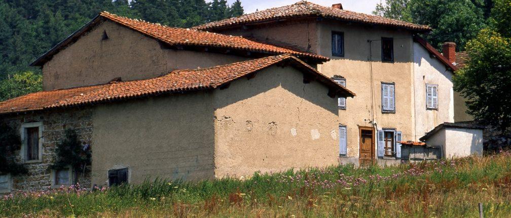 Maison en pisé vers Marsac